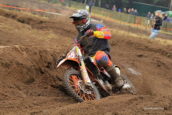 MX Shop Venray lang in de top vijf in loodzware 3-uurs cross in Lierop